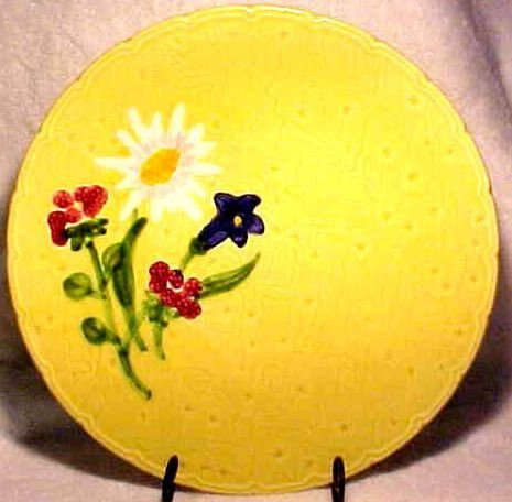 ANTIQUE YELLOW GERMAN FLOWER MAJOLICA PLATTER, gm297
