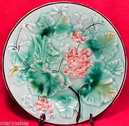 ANTIQUE GERMAN  MAJOLICA POTTERY PLATE 19thCentury, gm472