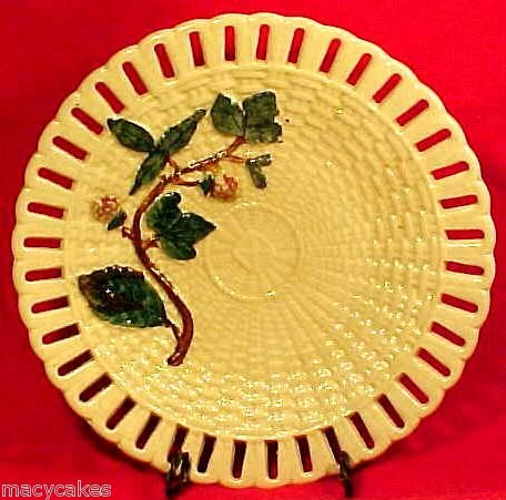 ANTIQUE WEDGWOOD MAJOLICA RASPBERRY PLATE END OF 19th C, fm417