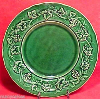 ANTIQUE FRENCH GIEN MAJOLICA POTTERY PLATE LEAVES c.1875, fm381