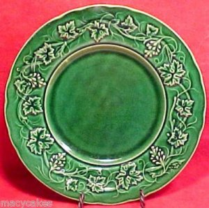 ANTIQUE FRENCH GIEN MAJOLICA POTTERY PLATE LEAVES c.1875, fm378