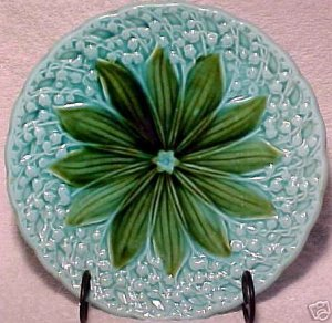 ANTIQUE GERMAN MAJOLICA POTTERY PLATE, Lily of the valley, gm140