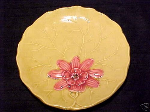Antique VINTAGE GERMAN MAJOLICA POTTERY PLATE ZELL Lily Pad flower, gm73