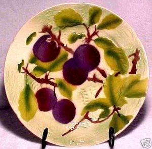 FRENCH ST. CLEMENT MAJOLICA POTTERY PLUMS  PLATE, fm444