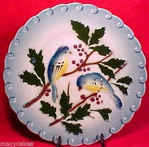 ANTIQUE MAJOLICA POTTERY PLATE WITH BIRDS BERRIES FRANCE c.1897, fm403
