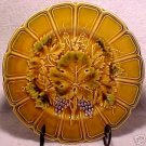 ANTIQUE SARREGUEMINES MAJOLICA POTTERY PLATE GRAPES AND LEAVES, fm323