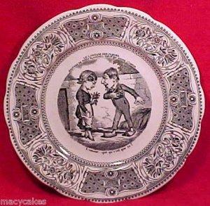 FM535, VINTAGE GIEN MAJOLICA FAIENCE Pottery VIGNETTES PLATE