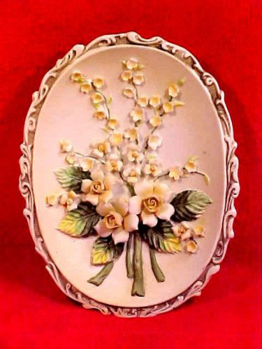Beautiful Vintage Lefton Flowers Wall Medallion Plaque Excellent Condition, p81