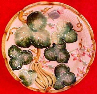 Beautiful Vintage Majolica Flowers, Leaves, Veggies Plate, gm740