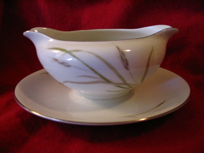 Cadence Gravy Boat with Under Plate cuppatea.ecrater.com