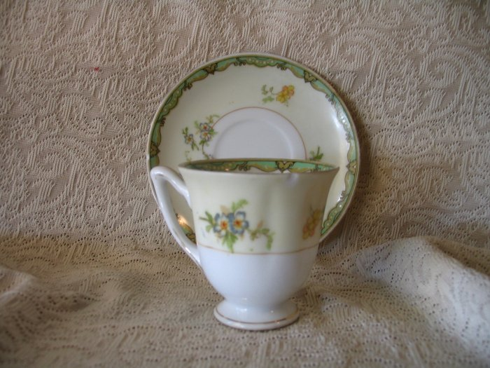 Vintage Floral Tea Cup and Saucer Japan Hotta cuppatea.ecrater.com