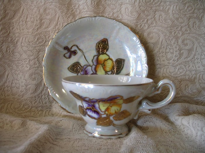 Vintage Lusterware Pansies Tea Cup and Saucer cuppatea.ecrater.com
