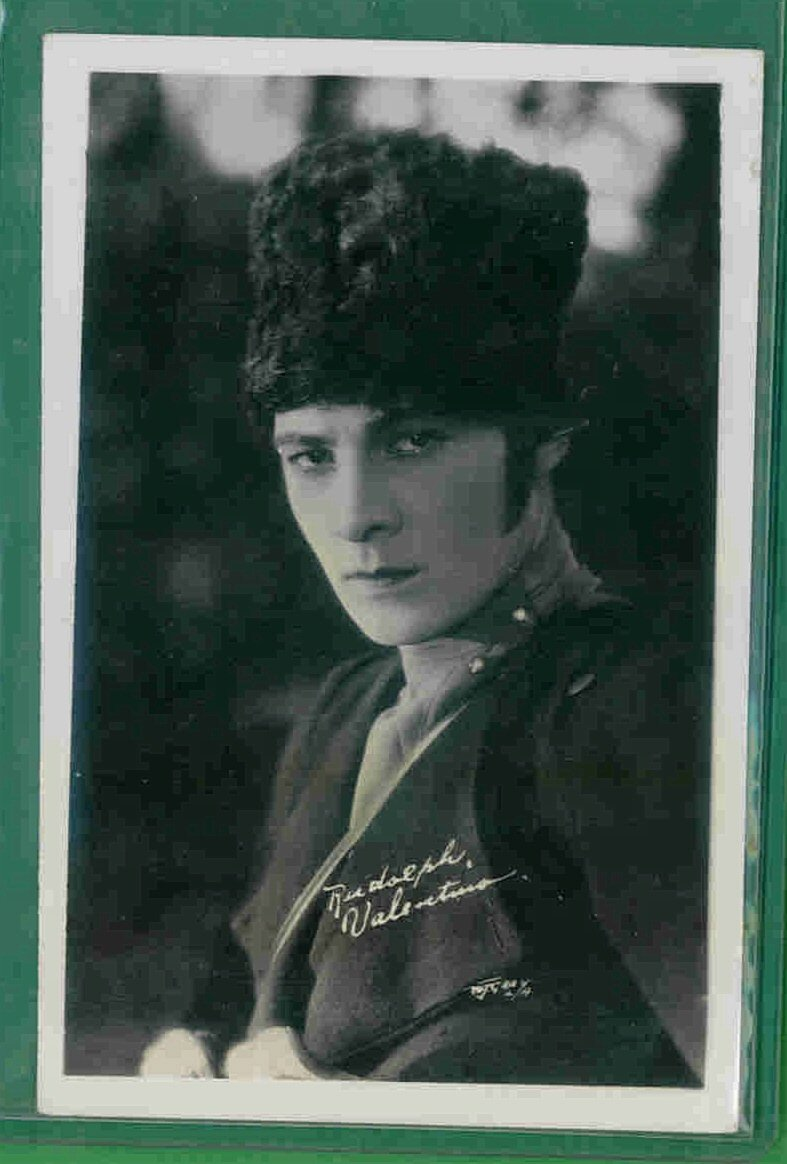 1 - Rudolph Valentino  - Photo Postcard