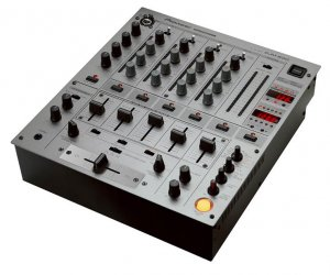 DJM-600 / 4 Channel Club Mixer with FX & Sampler