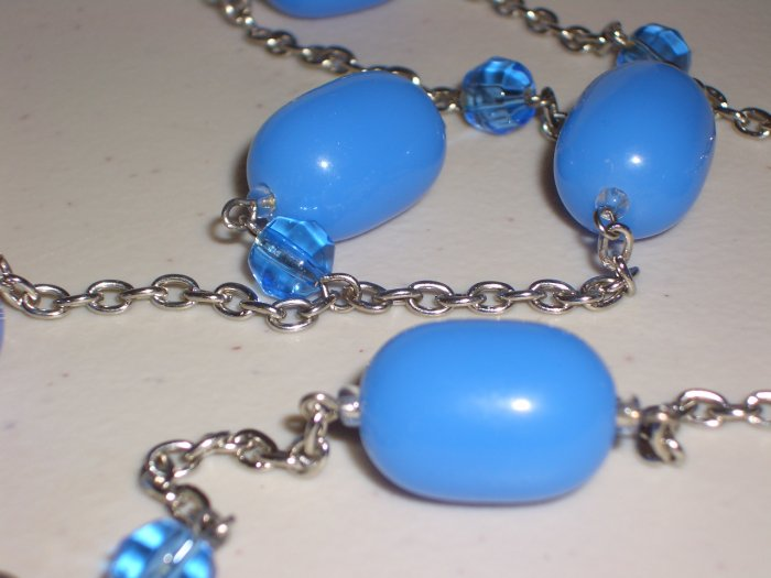 Periwinkle Candy Baubles Necklace Chunky Oval Blue Beads Matinee Length Charm Mod Glamour Chic