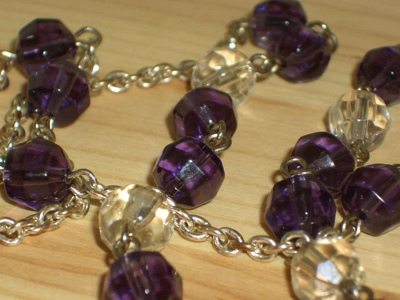 "Amethyst Purple Beaded Lariat Necklace Dangling Clear Glass Faceted Beads 22"" Long Matinee Length"