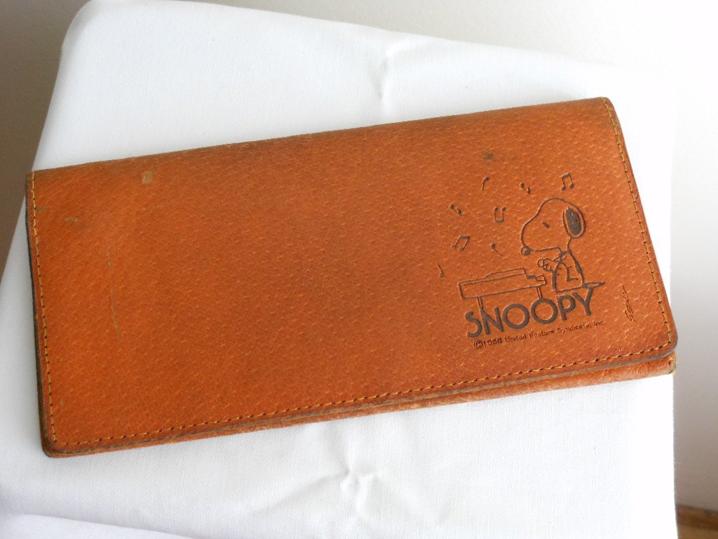 Leather Snoopy Checkbook Wallet Vintage 1958 Tobacco Tan Brown Made in Japan Playing Piano Music