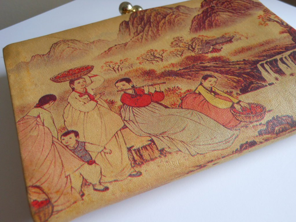 Vintage Asian Scenery Leather Wallet  Kisslock Coin Soft Leather Mountains Waterfall Made in Korea