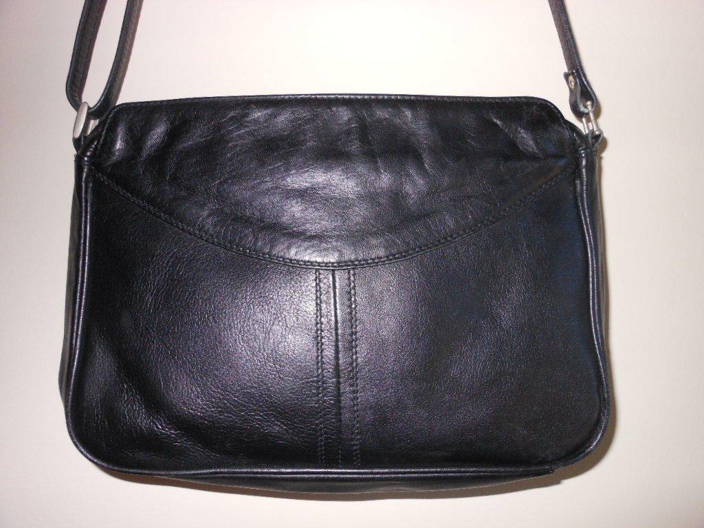 Derek Alexander Black Leather Organizer Purse Shoulder Bag Travel Crossbody Casual Classic Sporty