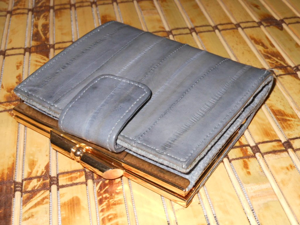 Vintage Grey Eelskin Suede Wallet Retro Feminine Chic Coin Bill Holder Card Slots 80s Ladylike Glam