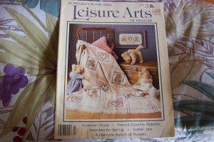 Leisure Arts Magazine w/30 Projects Cross Stitch, Knit & Crochet Etc.