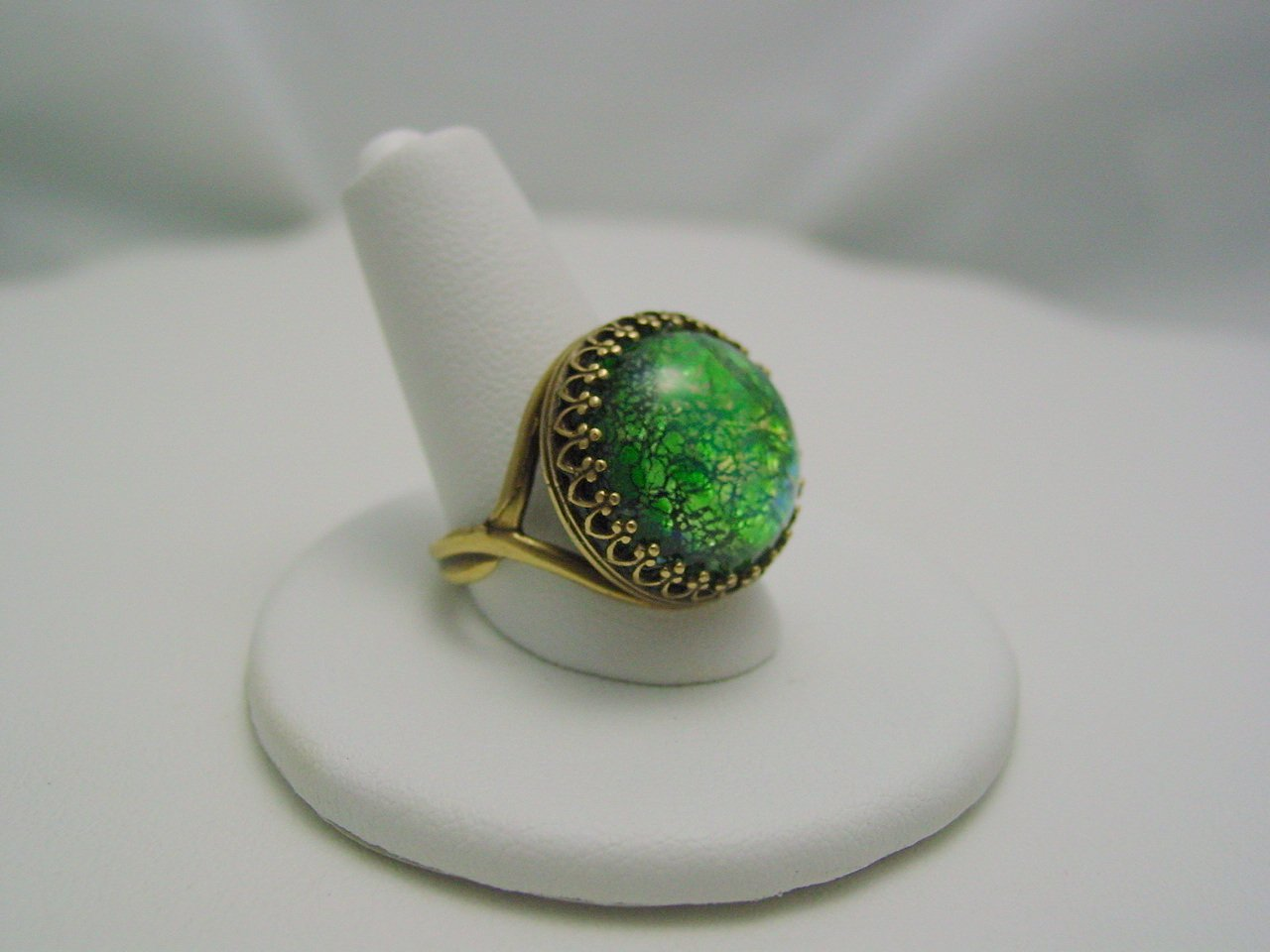 Green Opal Color Vintage Glass Cabochon Crown Style Antique Bronze Ring