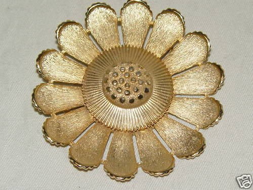 Vintage SARAH COVENTRY SIGNED FLOWER Brooch /Pin