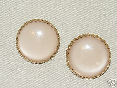 Vintage Large Pearlesque & Goldtone Clip On Earrings