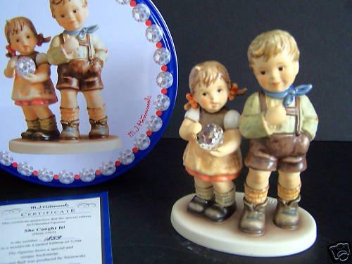 HUMMEL Goebel She Caught It! Figurine HUM 2265 NIB