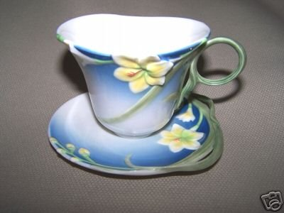 FRANZ Porcelain Spring Freesia Flower Cup Saucer  New