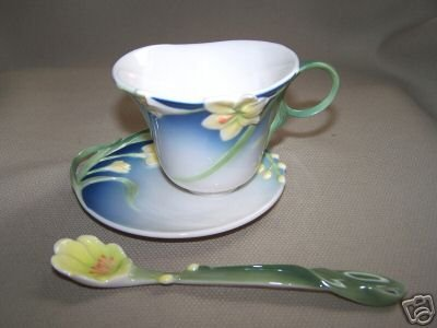 FRANZ Porcelain Spring Freesia Flower Cup/Saucer Spoon New