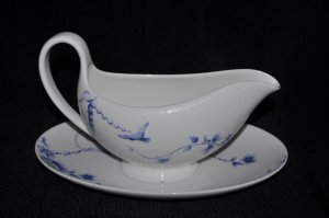 WEDGWOOD Harmony Gravy Sauce Boat with Underplate New