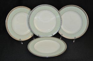 NORITAKE Fascination Green Round Accent Plates Set of 4 New