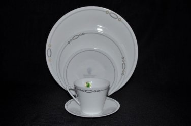 WATERFORD China Dorado 5 Piece Place Setting  New