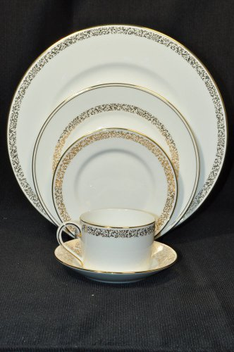 WEDGWOOD Vera Wang Filigree Gold 5 Piece Place Setting  New