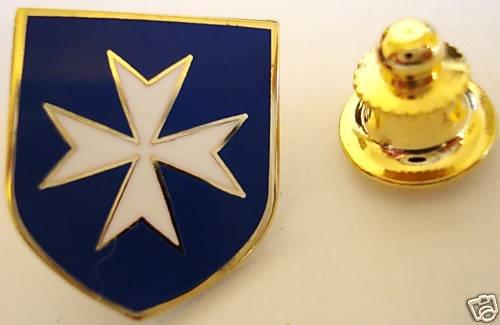 MALTESE CROSS Knights ITALY Masonic LAPEL PIN Tie Tack