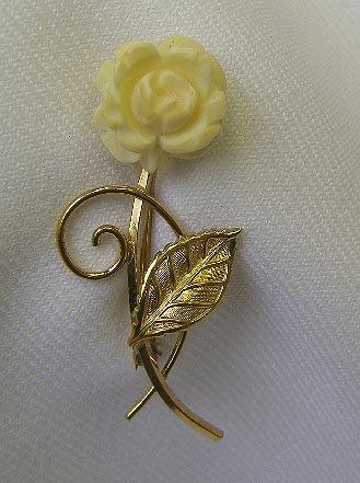 Van Dell Gold Filled Carved Rose Brooch