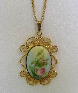 Vintage Porcelain Painted Rose Pendant Necklace