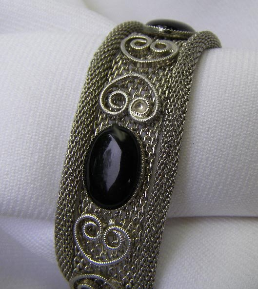 Vintage Baroque Black Glass Cabachon Latch Bracelet