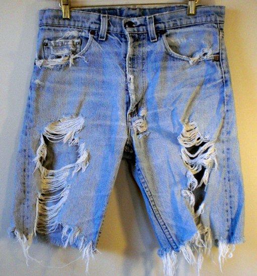 Authentic Vintage Levi's Cut-Off Shorts Deconstructed