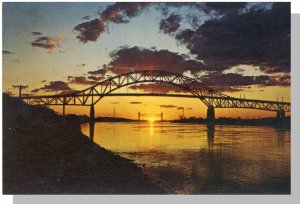 CAPE COD, MASS/MA POSTCARD, Bridge/Cape Cod Canal