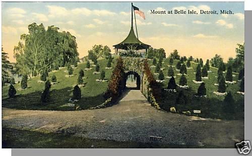 Nice DETROIT, MICHIGAN/MI POSTCARD, Mount at Belle Isle