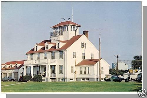 SANDWICH, MASS/MA POSTCARD,Coast Guard Station/Cape Cod