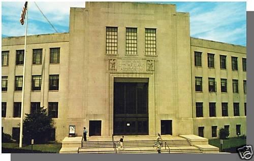 LYNN, MASS/MA POSTCARD, Memorial City Hall & Auditorium