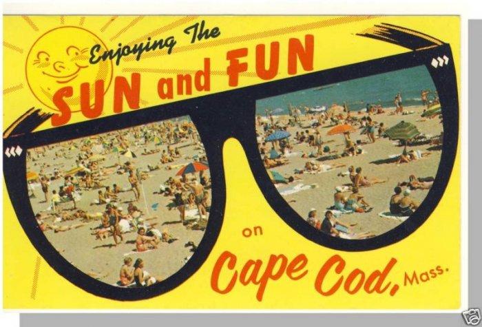 CAPE COD, MASS/MA POSTCARD, Sun & Fun, Beach/Sunglasses