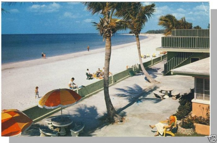 ST. PETERSBURG, FLORIDA/FL POSTCARD, White Sand Beach