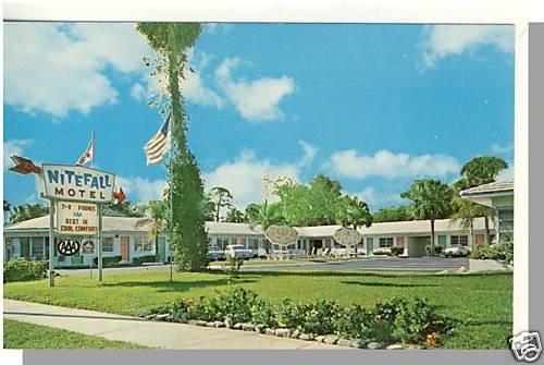 Striking DAYTONA, FLORIDA/FL POSTCARD, Nitefall Motel