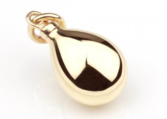 9 carat gold memorial pendant