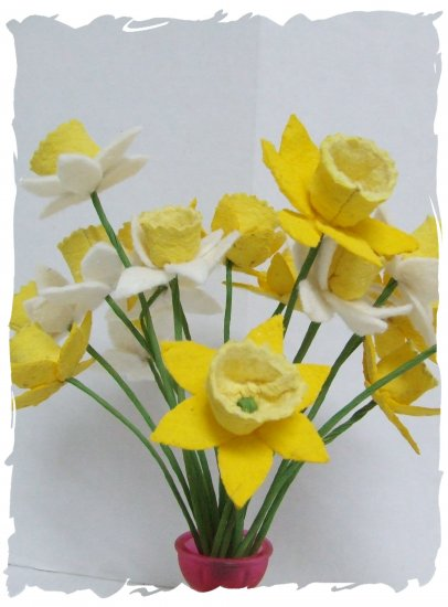 Primitive Folk Art Daffodils