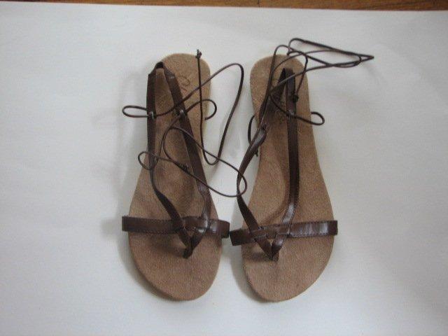 Women's Brown Wrap Up Sandals Size 7-8 (Medium)